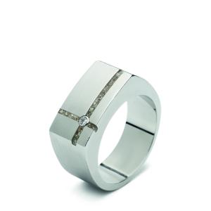 Stalen ring, kruis, gezet met zirkonia. 10mm / 0.39 inch