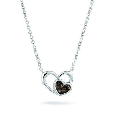 Zilveren hanger, klein hart in groot hart