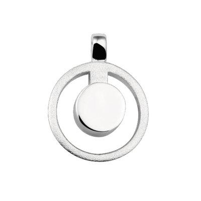 Zilveren hanger, mat/glans. Lengte: 2.7 cm. Breedte: 2.1 cm