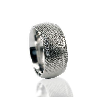 RVS Ring met vingerafdruk en 5 pave gezette stenen