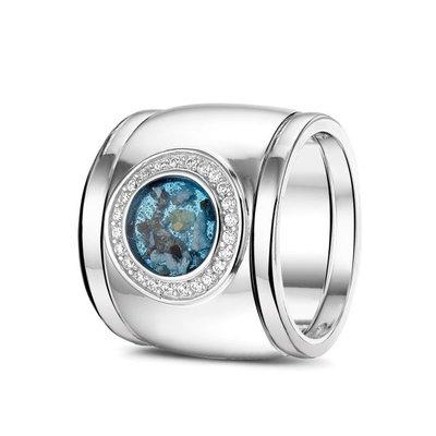 14 Krt wit gouden ring gezet met diamant. Plus wit gouden aanschuifringen.