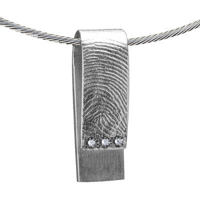Zilveren rechthoekige hanger met drie pave zettingen met 3 stenen