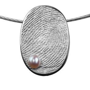 Zilveren ovale hanger met parel