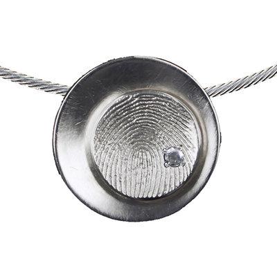 Zilveren ronde vingerafdrukhanger met parel
