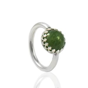Ring met vingerafdruk in ronde groene nefriet 10mm