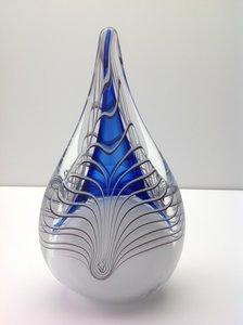 Druppels groot glazen urnen
