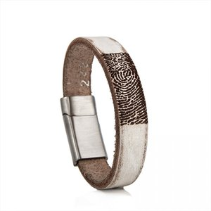 leren armband met vingeradruk wit geschuurd