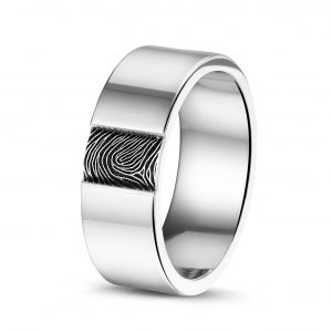 Stalen ring met vingerafdruk.